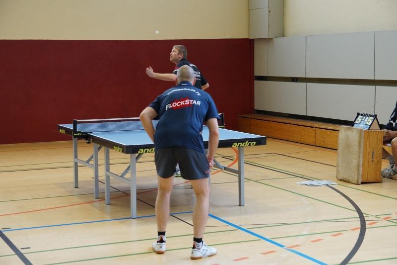 osc-vs-hundsmuehlen-erste-herren-tischtennis-2015-011