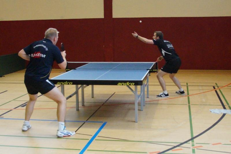 osc-vs-hundsmuehlen-erste-herren-tischtennis-2015-021
