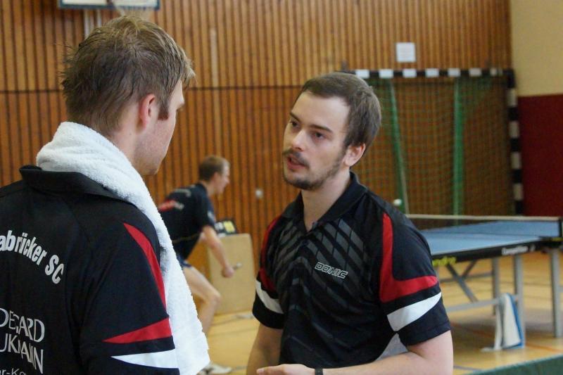 osc-vs-hundsmuehlen-erste-herren-tischtennis-2015-023