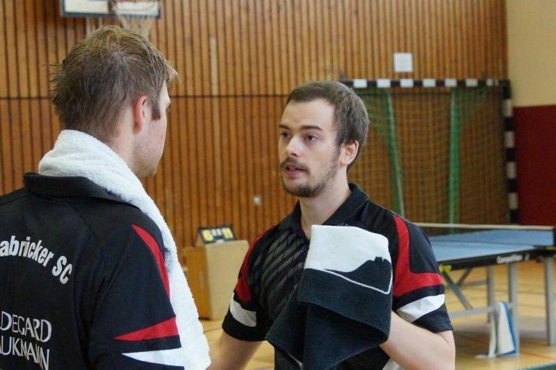 osc-vs-hundsmuehlen-erste-herren-tischtennis-2015-024