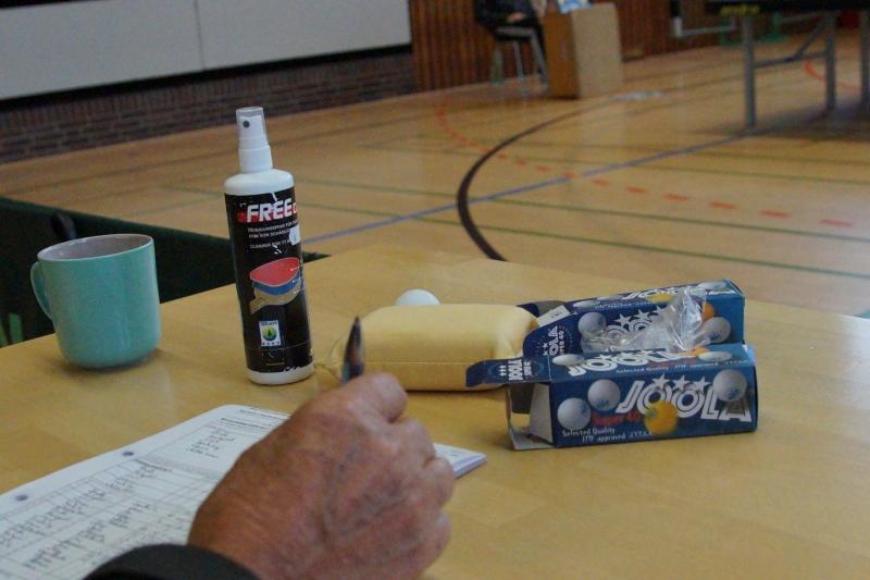 osc-vs-hundsmuehlen-erste-herren-tischtennis-2015-029