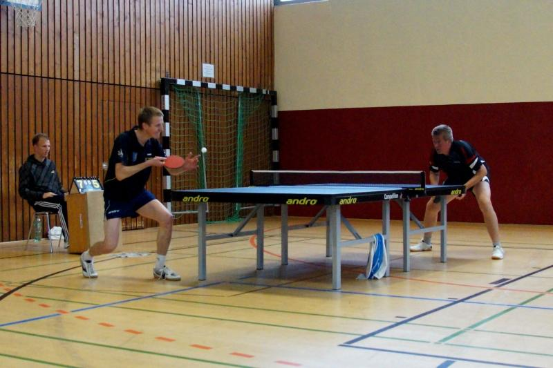 osc-vs-hundsmuehlen-erste-herren-tischtennis-2015-030