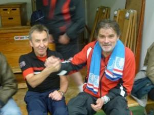 Alte Bekannte: Tischtennislegenden Lutz Wolf und Bernt Jansen am Rande eines Punktspiels im letzten Jahr