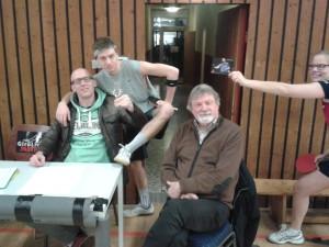 Gute Stimmung auch bei der Turnierleitung: Markus, Marian, Höppi, Panagiotis Gionis und Henrike (Foto: Kersi)